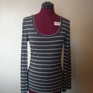 Zenana Outfitters Top Size Large